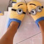 DIY pantuflas Minions a crochet