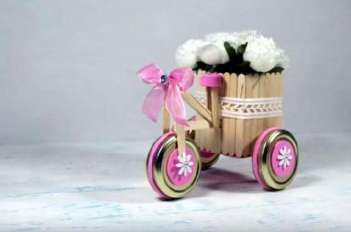 Triciclo decorativo con Palitos de helado
