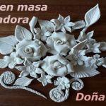 DIY para aprender a hacer flores en porcelana fría