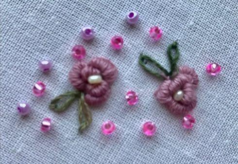 DIY Cómo bordar flores en ropa de muñecas