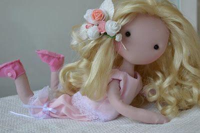 Barbara muñeca de tela articulada