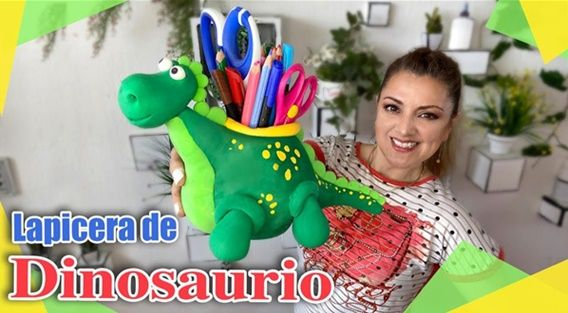 Dinosaurio lapicero con foamy moldeable