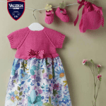 Conjunto fucsia a crochet para bebé con patrón