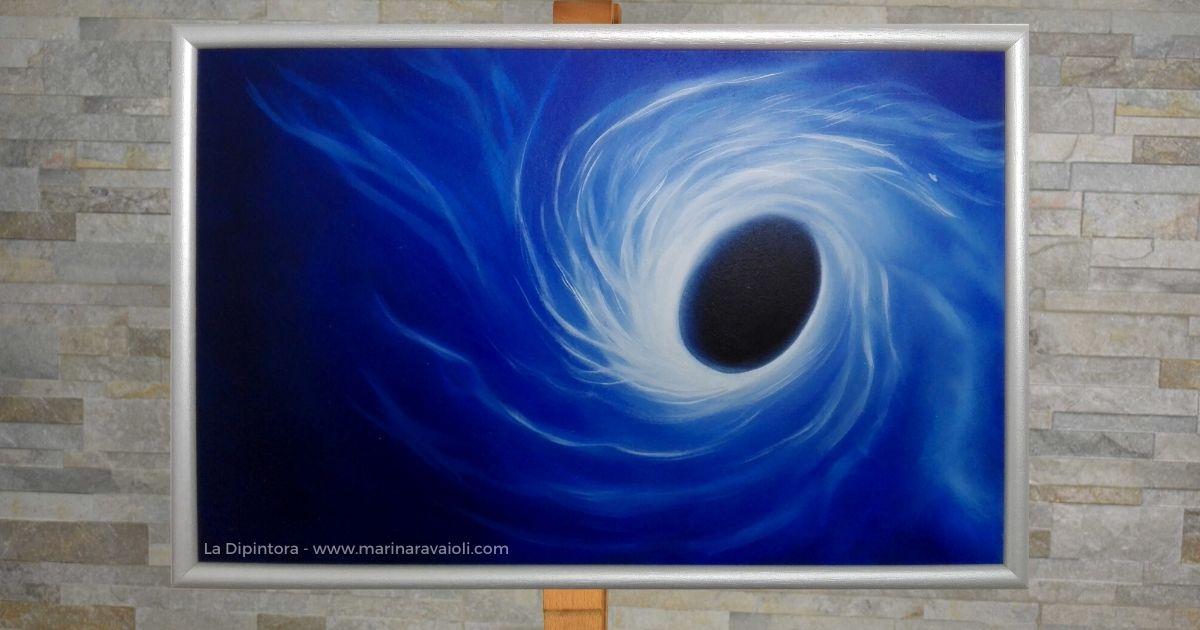 Nuovi Orizzonti - Marina Ravaioli Dimensioni 46 x 28 cm - Olio su legno MDF, finitura opaca. Disponibile. Soggetto, buco nero che attira la luce. Colori prevalenti, blu, azzurri e nero