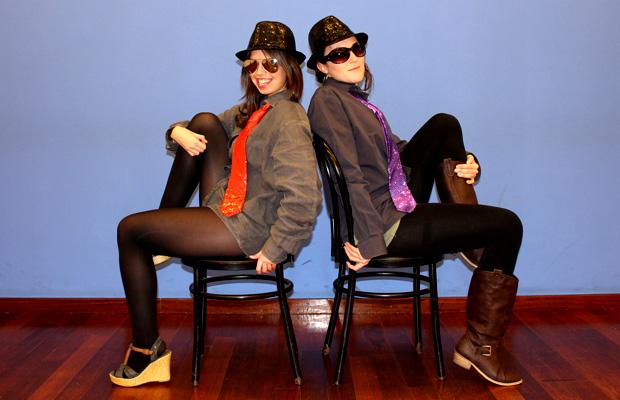 clase-Burlesque-dance-barcelona-mujeres-vestidas-hombre-3