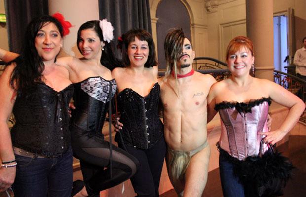 salida-al-teatro-the-hole-alumnas-burlesque-1