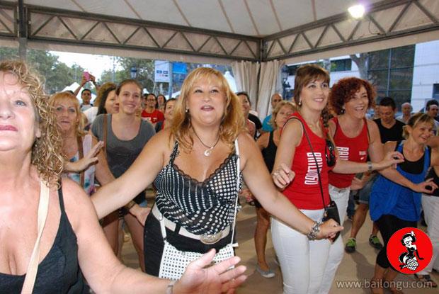 clase-burlesque-plaza-catalunya-2014-1