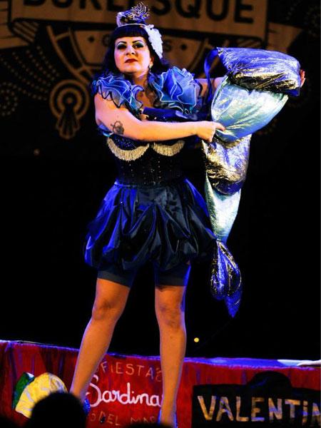 worls-burlesque-games-2014-Valentina-Pearls