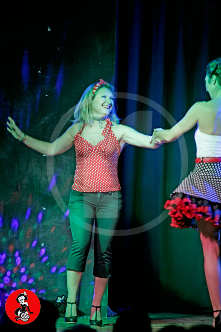 Actuacion-burlesque-barcelona-marina-salvador-pin-up-3