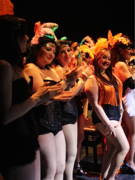 Actuacion-Burlesque-Girls-Fira-Modernista-Terrassa-2015-7