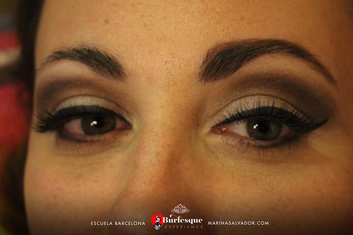 como-maquillarse-pinup-31