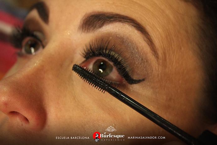como-maquillarse-pinup-36