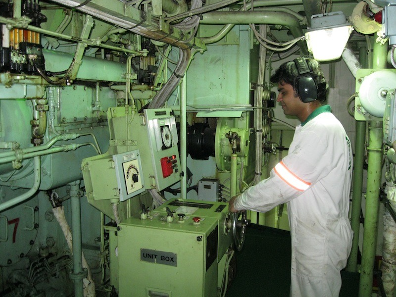 10 Things Marine Engineers Must Know About Engine Room Machinery  World Wide Metric Blog
