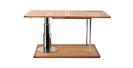 Leg support leaf for extended table