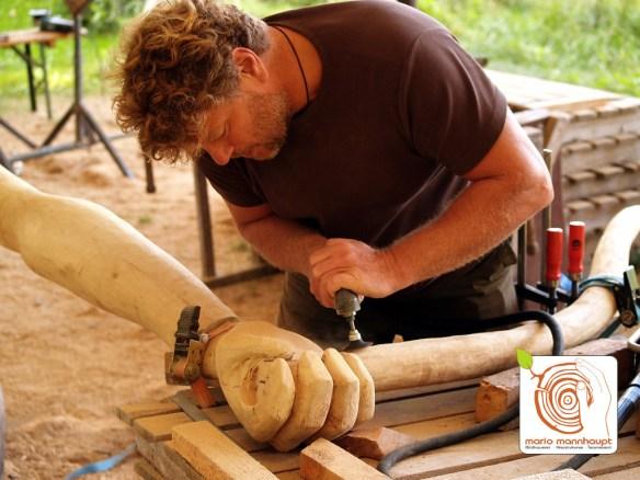 Hier kannst du Skulpturen aus Holz selber machen!