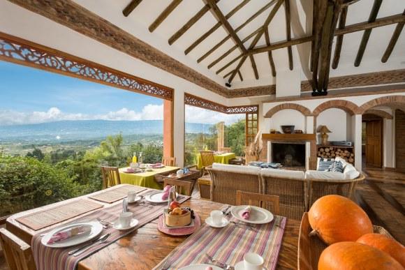 Comedor en casa de Campo en Villa de Leyva, Colombia.