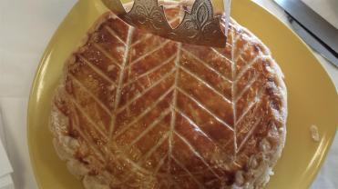 galette des rois sur une assiette