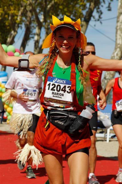 Marion Barra à l'arrivée du marathon du Médoc