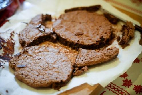 Dôme-de-Noël-Mousse-Chocolat-aux-Griottes-&-Brownie-aux-Noisettes (7 sur 10) (Large)