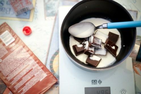 Dôme-de-Noël-Mousse-Chocolat-aux-Griottes-&-Brownie-aux-Noisettes-suite (2 sur 9) (Large)