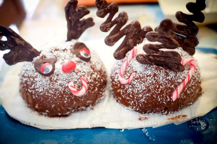 Dôme-de-Noël-Mousse-Chocolat-aux-Griottes-&-Brownie-aux-Noisettes-suite (9 sur 9) (Large)