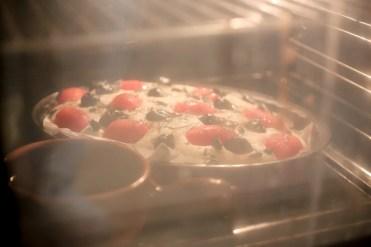 Foccacia-tomates-cerise-olives-noires-romarin-semoule-de-ble-dur (13 sur 24) (Large)