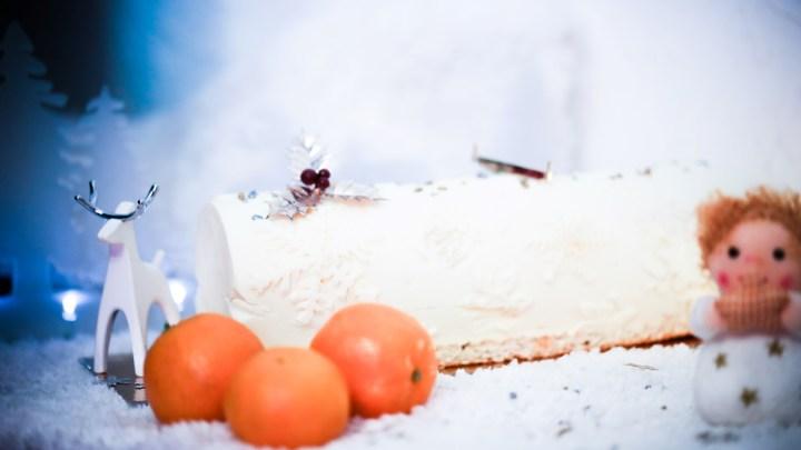 (Français) Bûche de Noël glacée saveurs exotiques coco-orange-mangue
