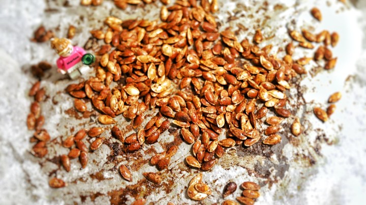 Zero waste! Spicy Roasted Pumpkin Seeds for apéritif🌶️🍸