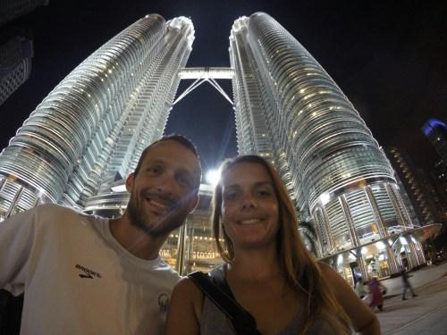 Kuala Lumpur Petronas de nuit 3