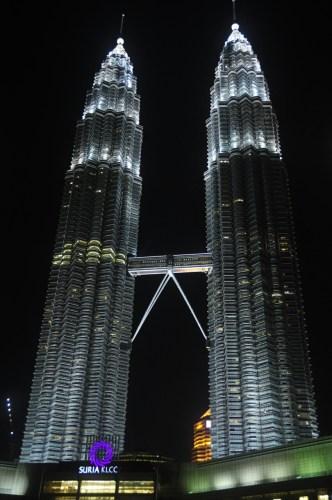 Kuala Lumpur Petronas de nuit