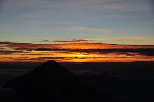 Lever_de_soleil_volcan_Agua-2