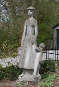 Nijverdal - Moeder met Kind