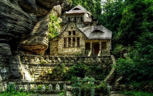 Cliffside Stone House, Hrensko, Czech Republic