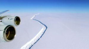 The giant iceberg splits off from the Larsen C ice shelf.