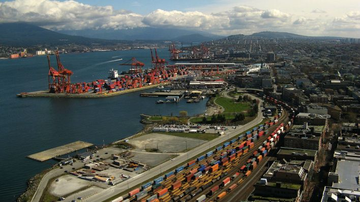Call to Rethink Private Investment in Canadian Ports