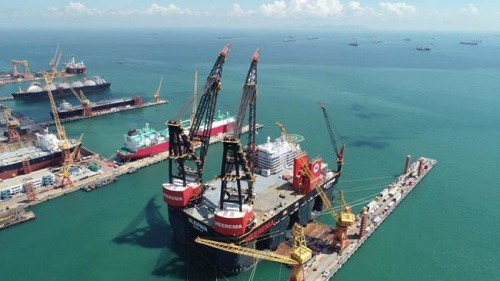 Sembcorp Marine Completes World's New Generation Strongest Semi-Submersible Crane Vessel 1