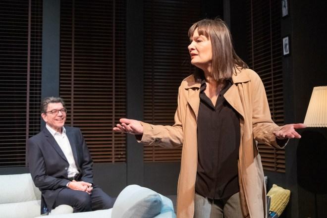 Niebezpieczna gra, Teatr Mazowiecki, reżyseria: Giovanny Castellanos występują: Maria Seweryn, Mirosław Zbrojewicz