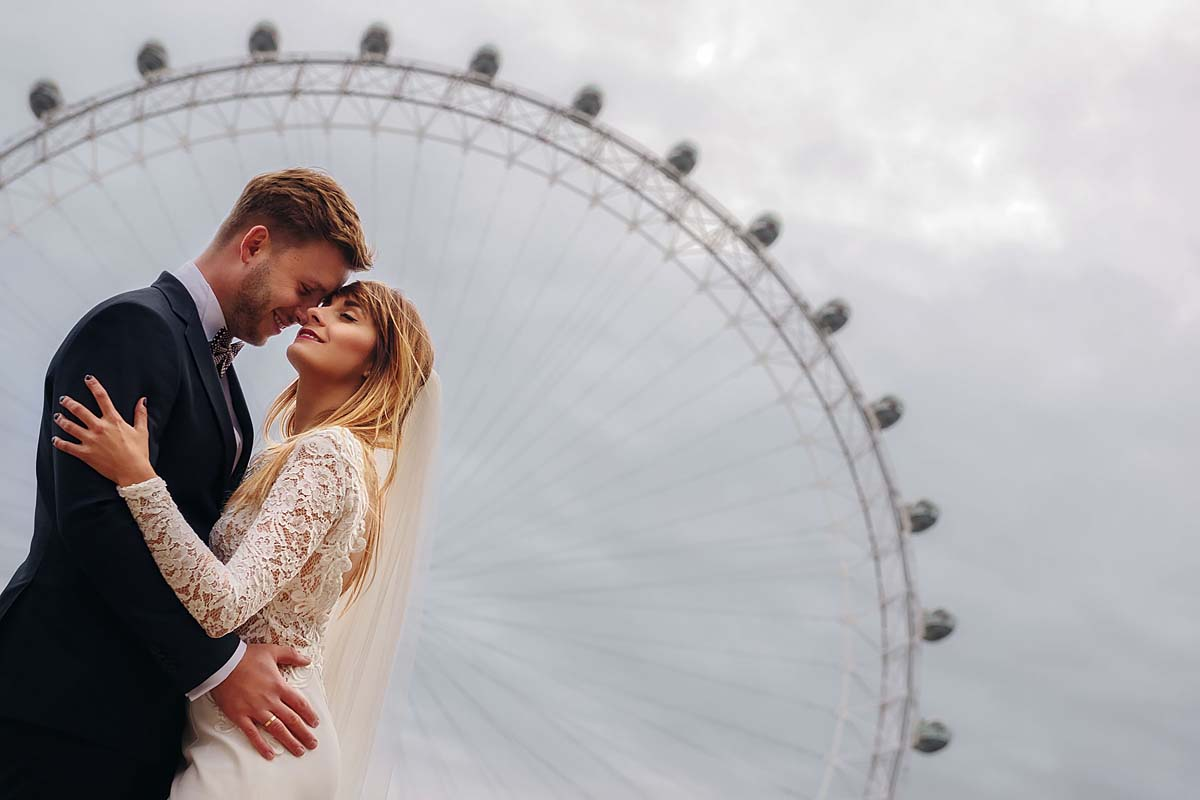 pre wedding in london, london eye in the background