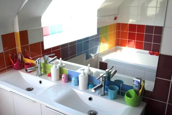 rainbow_bathroom5