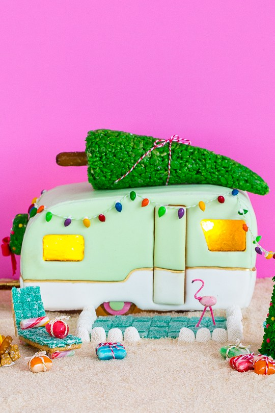 gingerbread-retro-camper-7