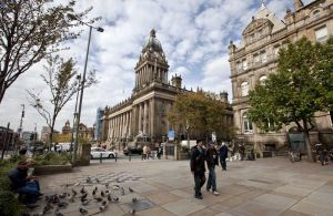 leeds_town_hall_exterior_october_2009_sm.jpg