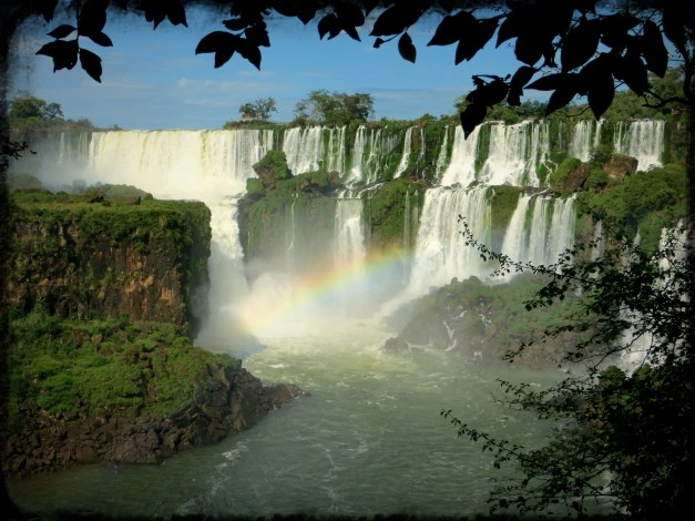 More great pictures of waterfalls and rainbows