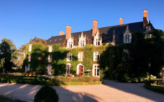 Another early morning shot of the Château  L'Épinay