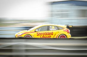 Shredded Wheat Ford Entering Thruxton Pit Straight