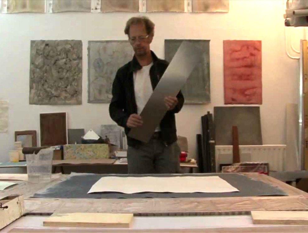 Papierkunstenaar Mark de Weijer