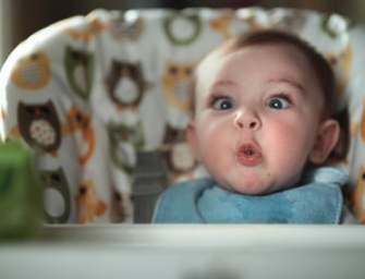 Pampers met en avant les «Pooface» de nos bébés