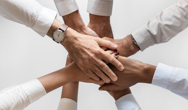 Titelbild: Marketingteams strukturieren
