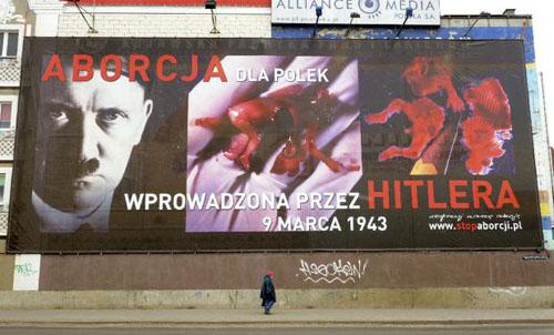Una campaña en Polonia asocia el aborto con Hitler