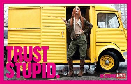 """Diesel estrena la segunda parte de su exitosa campaña de publicidad exterior """"Be Stupid"""""""