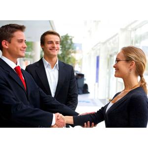 Trata a los clientes como si fueran potenciales, y a los potenciales como clientes
